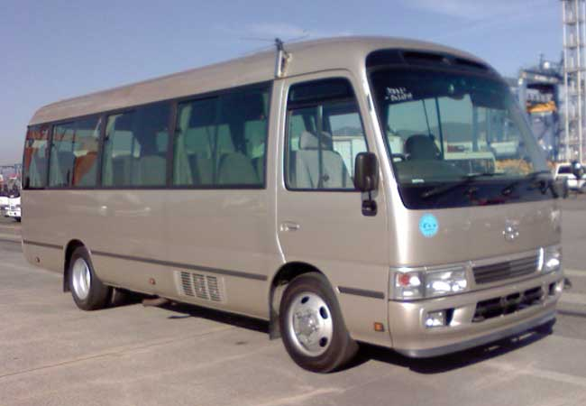 417b44b7c5 Used Toyota coaster Buses 2007 model in Gold