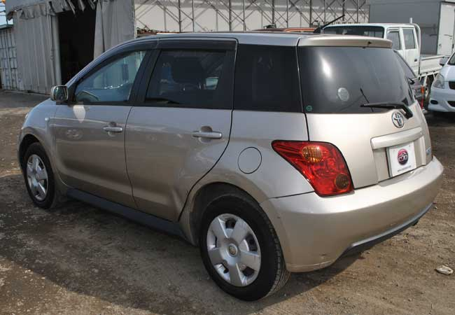 Toyota Ist 2002 Image2