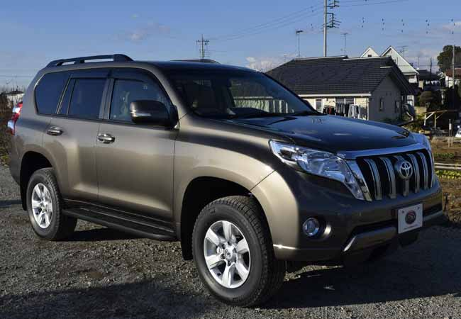 Toyota Land Cruiser Prado Suv 4wd 2015 Model In Brown