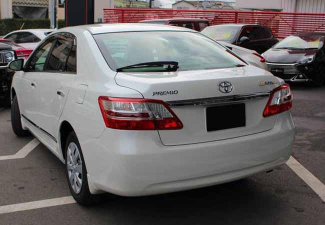 Toyota Premio Sedans 2015 Model In Pearl Stock 55358