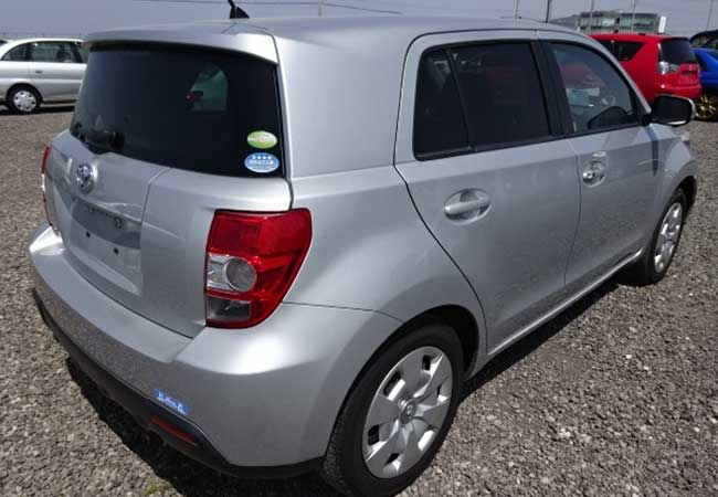 Used Toyota ist Hatchbacks 2010 model in Silver | Used Cars