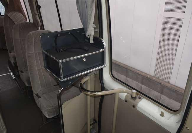 Toyota coaster 2001 image12