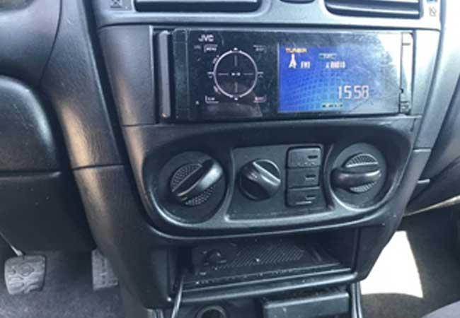 Nissan almera 2001 image3