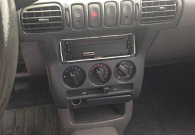 Nissan micra 1997 image5