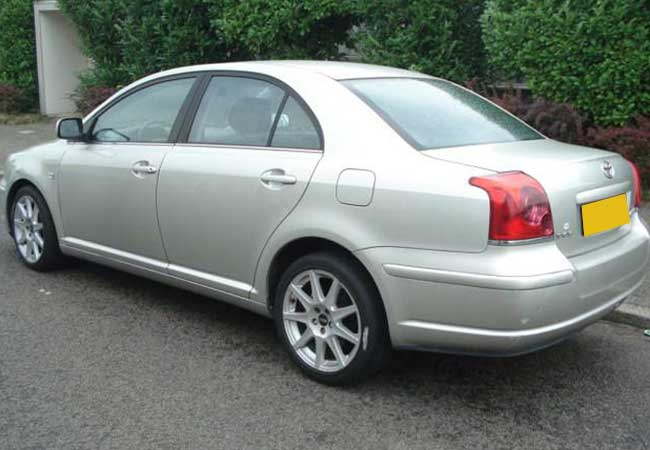Toyota avensis 2005 image2