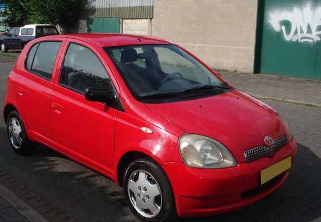 Toyota yaris 1999 image1