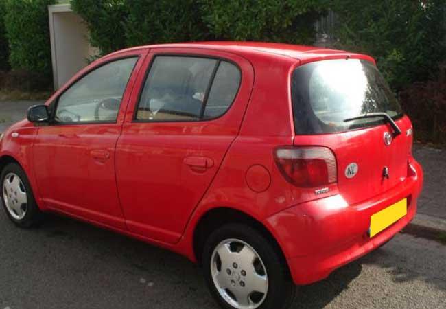 Toyota yaris 1999 image2
