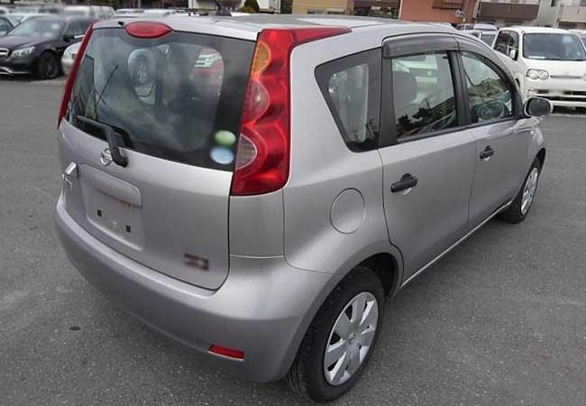 Nissan note 2010 image2