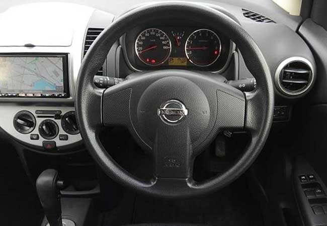 Nissan note 2010 image6