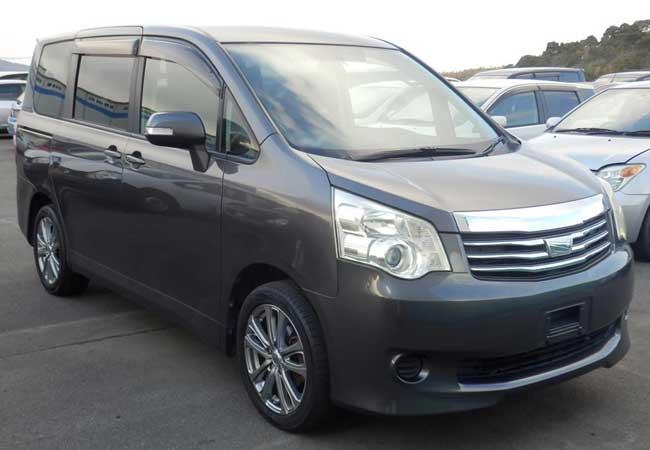 Toyota noah 2010 image1