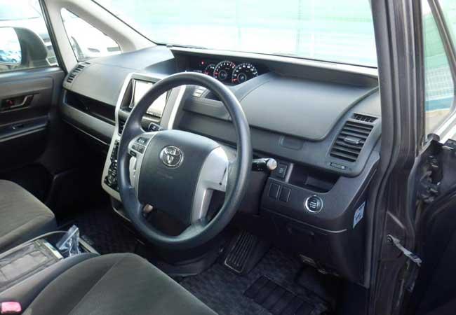 Toyota noah 2010 image10