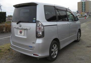 Toyota voxy 2010 image2