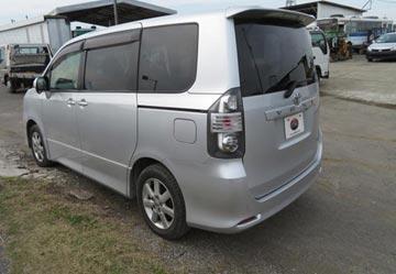 Toyota voxy 2010 image3