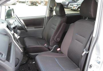 Toyota voxy 2010 image9