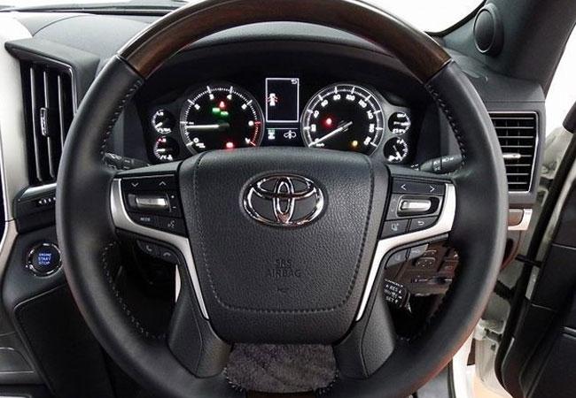Toyota Land Cruiser 64108 image10