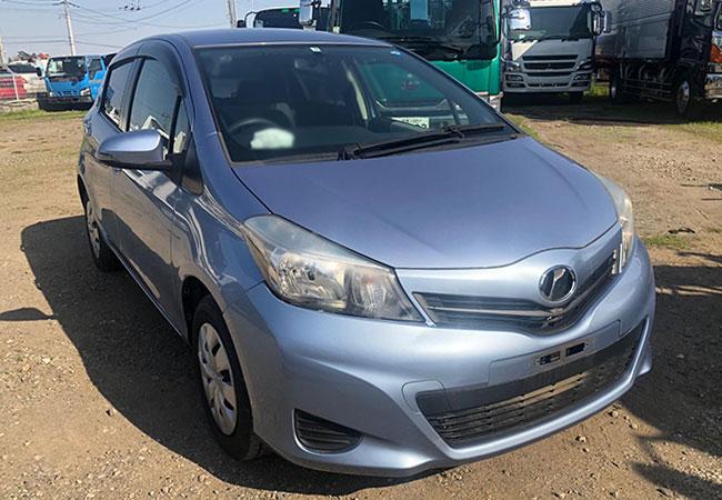 Toyota / Vitz 2011