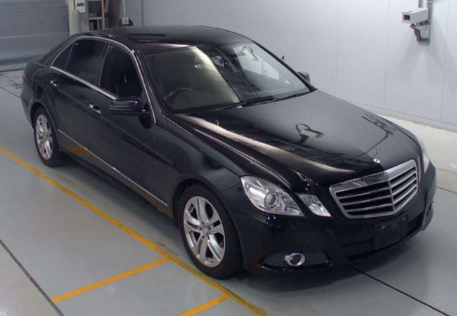 Mercedes Benz / E-CLASS  2009