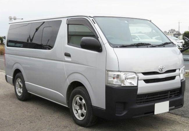 Toyota / Hiace 2015
