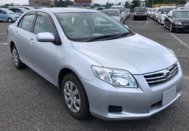 Toyota / Corolla Axio 2012