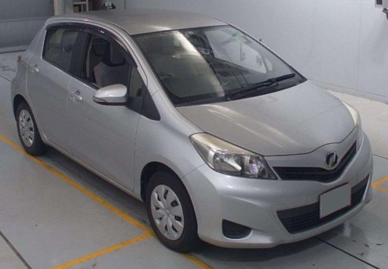 Toyota / Vitz 2012
