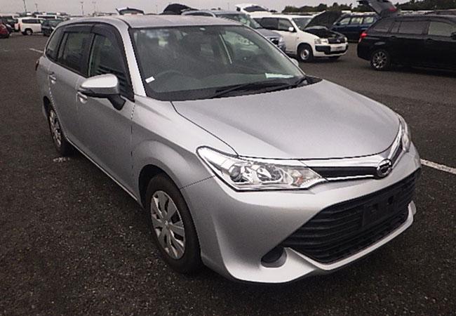 Toyota / Corolla Fielder 2015