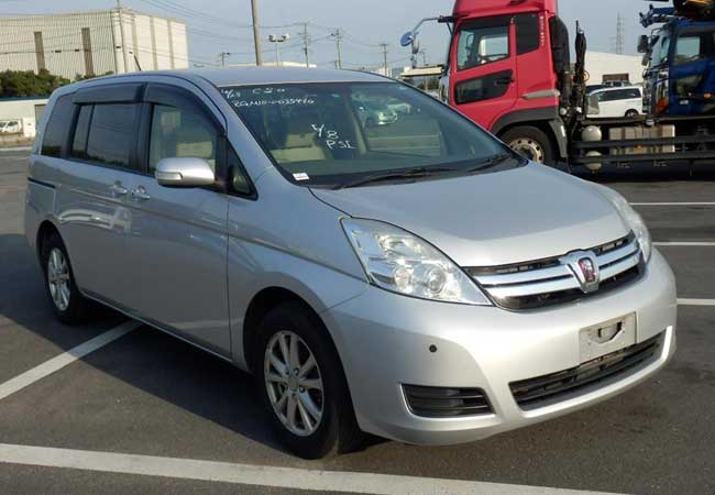 Toyota isis 2012 Silver