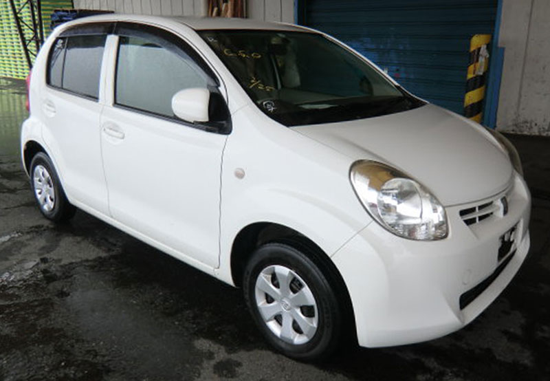 Toyota / Passo 2011