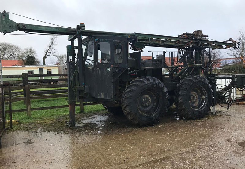 Ford / B30 Water Well Rig 0