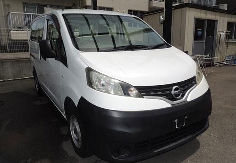 Nissan / NV200  2011