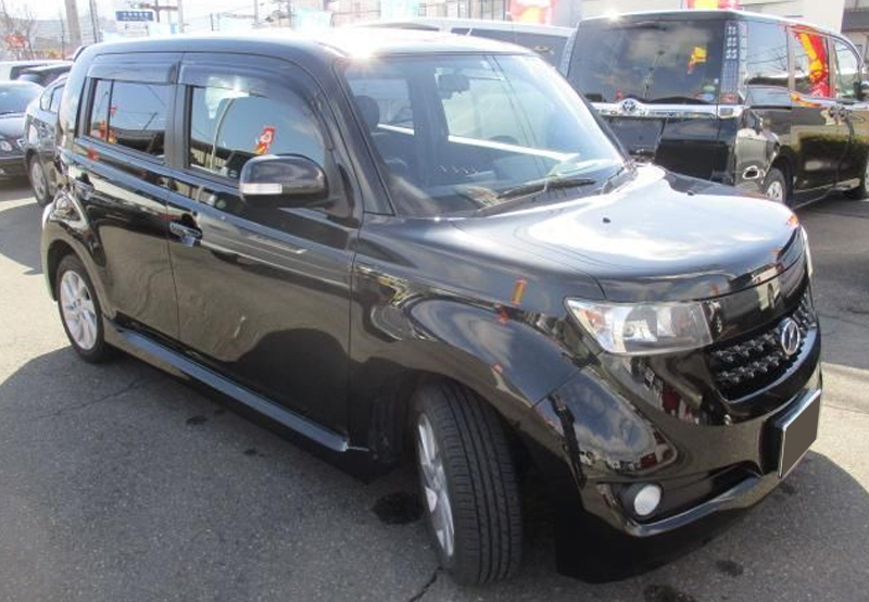 Toyota / BB  2012