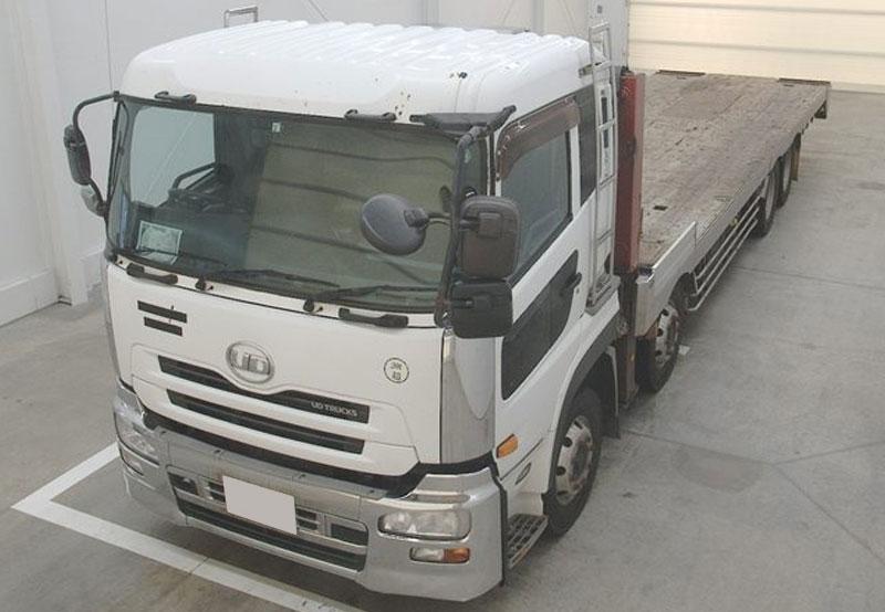 Nissan / UD  2011