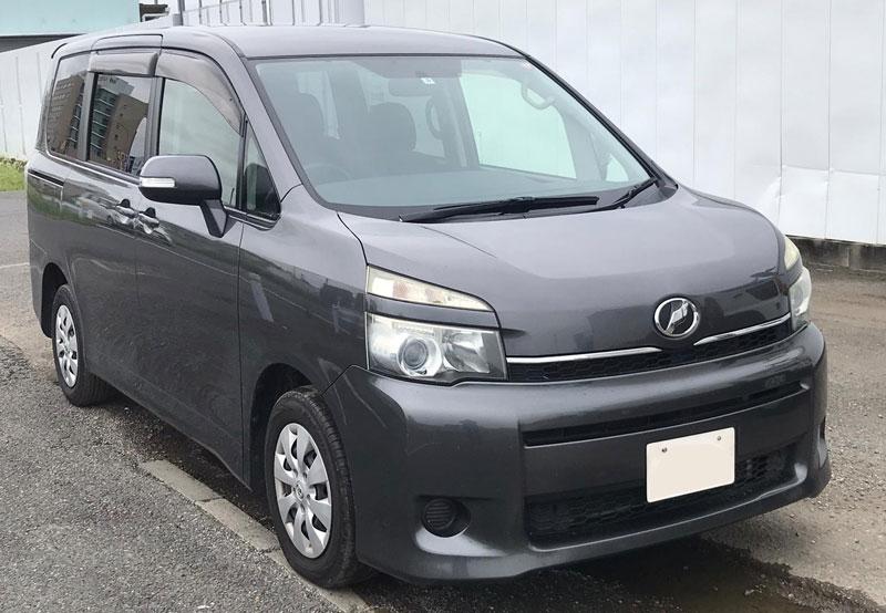 Toyota / Voxy 2011
