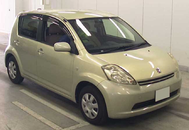 Used Toyota Passo Hatchbacks 2006 Model In Gold Used