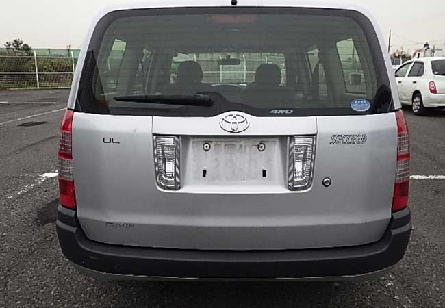 Toyota succeed 2012 image6