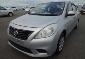 nissan latio 2013 Silver