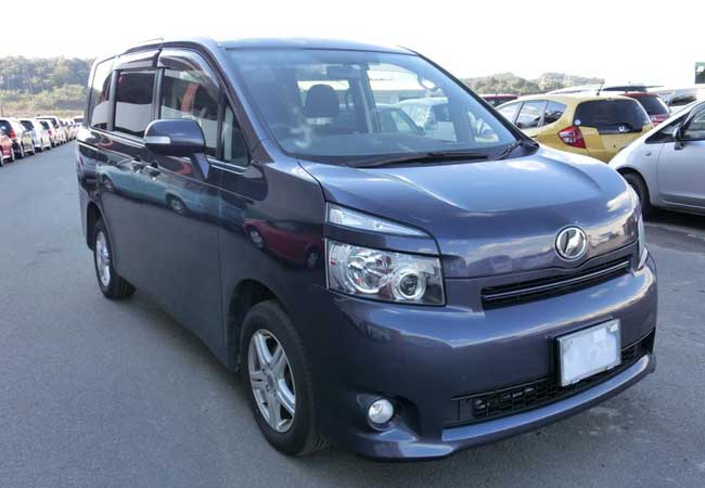toyota voxy 2009 Blue Metallic