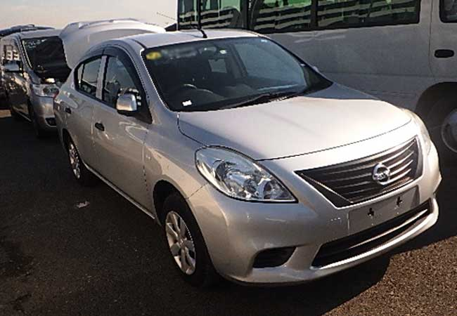 nissan latio 2014 Silver