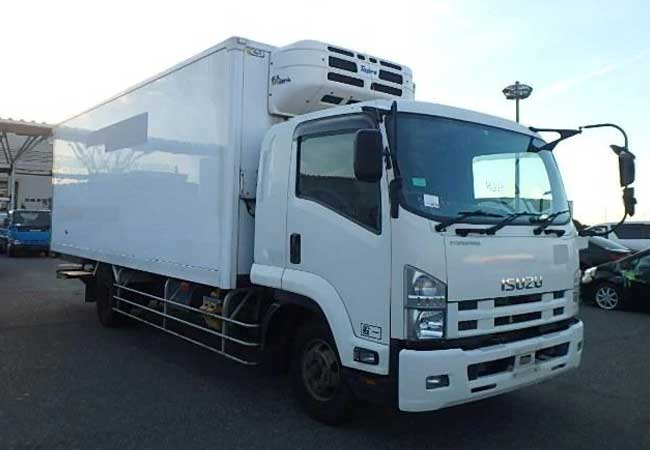isuzu forward 2008 White