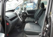 Toyota VOXY 61390 image10