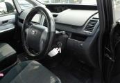 Toyota VOXY 61390 image11