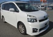 Toyota Voxy 62065 image1