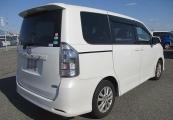 Toyota Voxy 62065 image2