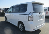 Toyota Voxy 62065 image3