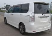 Toyota Voxy 63423 image2