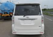 Toyota Voxy 63423 image5