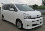 Toyota voxy 2011 Pearl